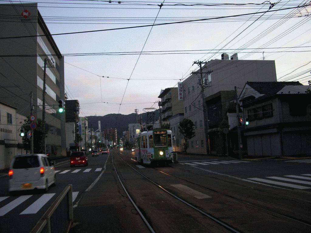 Shiyakusho-Mae