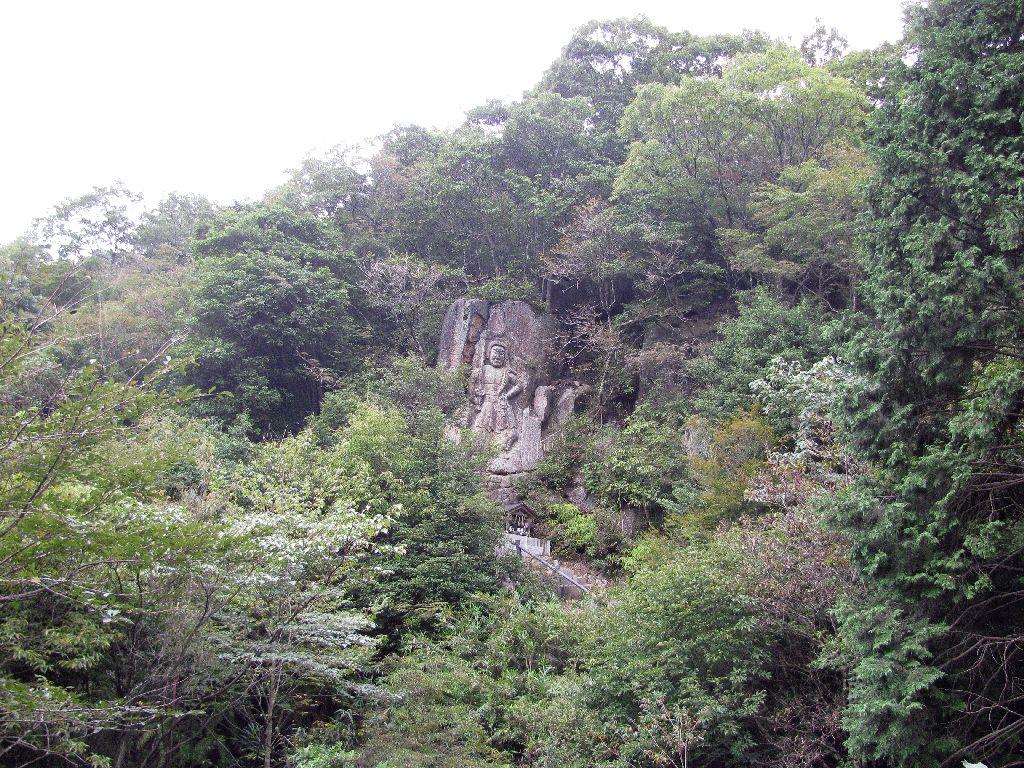 岩根山車谷の磨崖不動明王