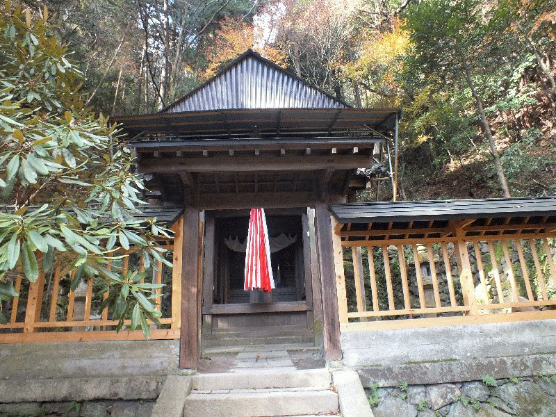 関蝉丸神社上社