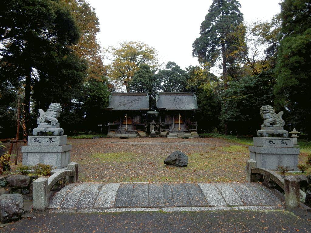 木流の苗村神社