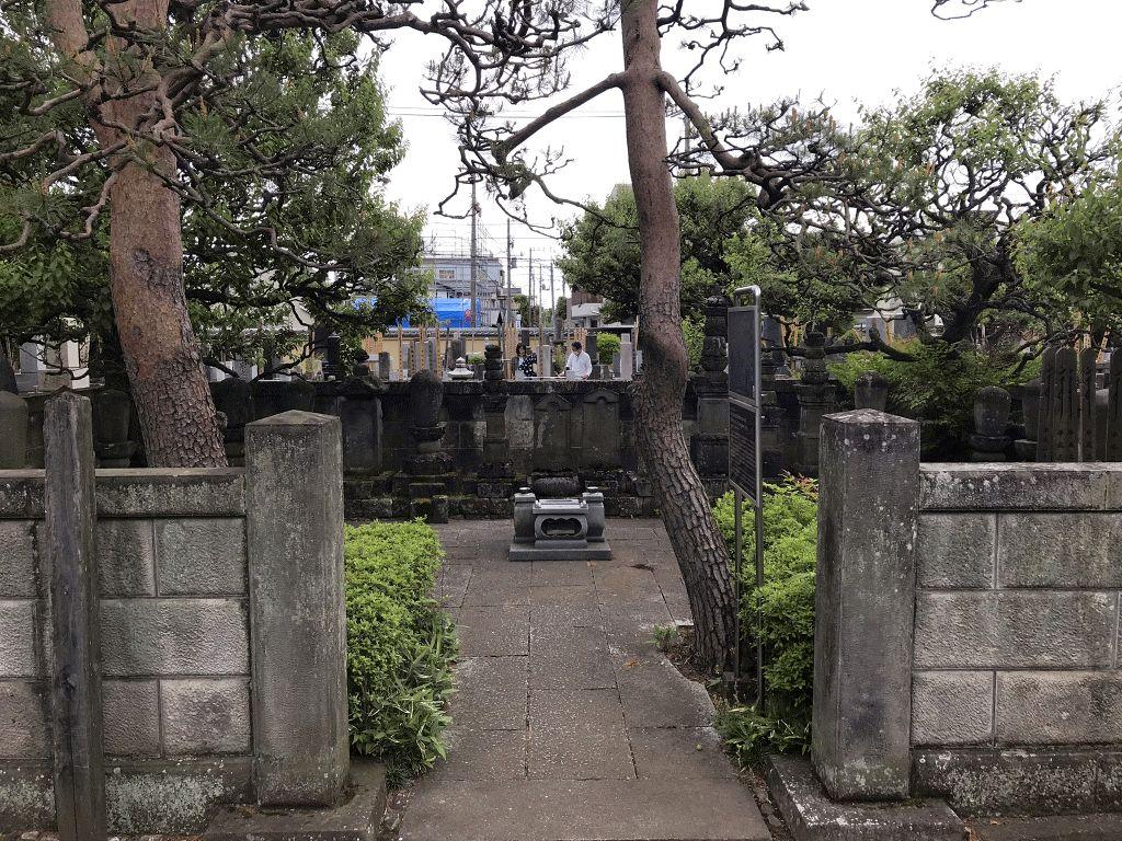 観泉寺墓地