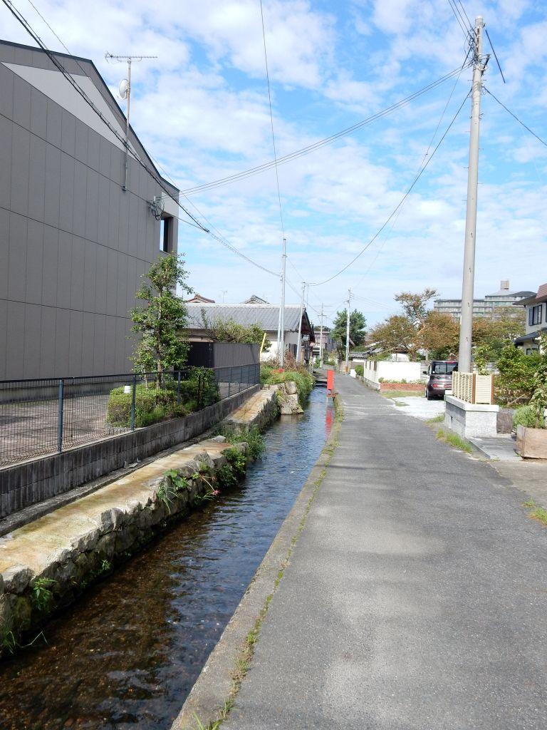 佐野村の用水路
