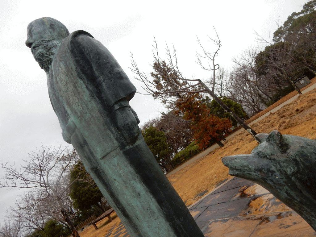 モラエス像